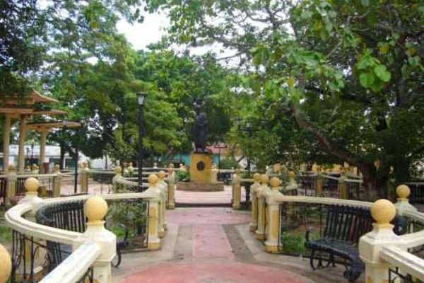 Plaza Bolívar en Santa María de Ipire